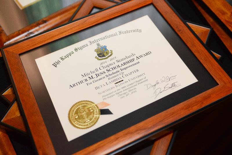 guantone schiavo spedizione  Phi Kappa Sigma   Scholarships